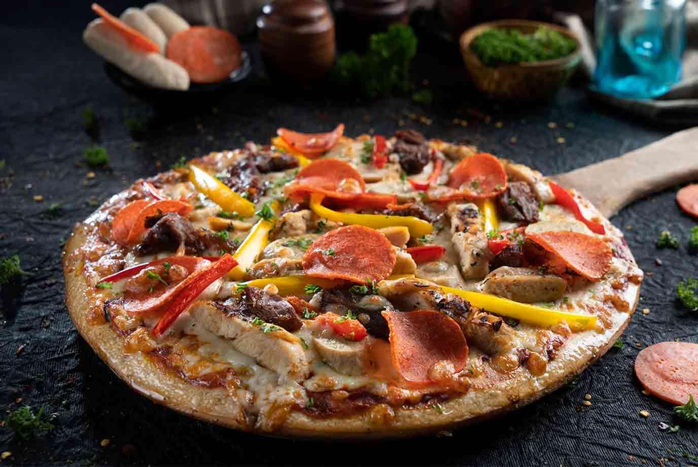 Melange Meat-zza Pizza  (Thin Layered | Large)